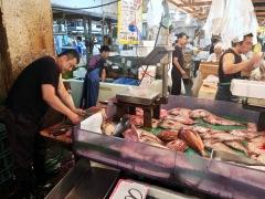 J06-fish-market